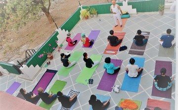 15 days yoga retreat rishikesh india