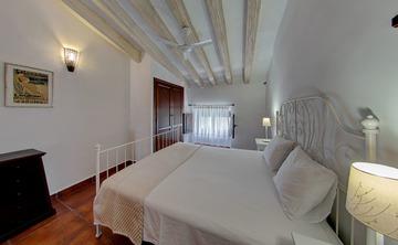 Retreats all year round - 4* Boutique Luxury Hotel