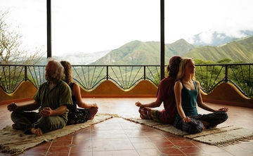 200 hour Hatha-Kundalini-Restorative Yoga Teacher Training in Ecuador