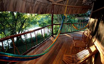 A Journey to the Jungle: A Turning Life Gold Experience: Belize