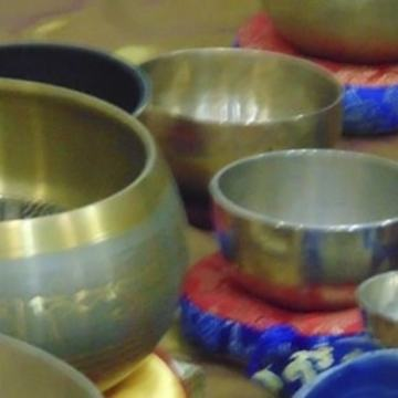 Meditation with Singing Tibetan Bowls in Romania