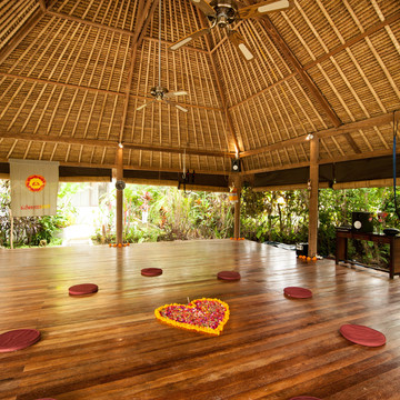 7 days Holistic Yoga Retreat 19/02/18-25/02/18