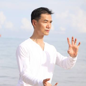 Living in the Light – Tai Chi & Chi Kung