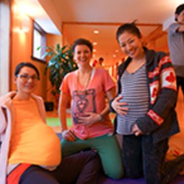 Enseigner le yoga prénatal/Teaching Prenatal Yoga