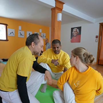 Des postures de yoga vers un mental paisible/From Yoga Posture to Peaceful Mind