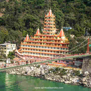 29 Days 200-Hour Ashtanga, Hatha, and Vinyasa Yoga Teacher Training in Rishikesh, India