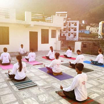 200 hours Yoga Teacher Training in Rishikesh