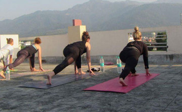 200 hrs Hatha Yoga Teacher Training in Rishikesh