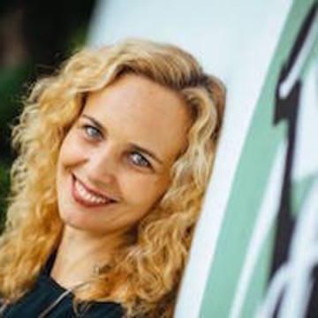 Dr. Mihaiela Pentiuc (Ananda Maha)
