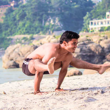 200 Hour Yoga Teacher Training in Rishikesh, India 2018