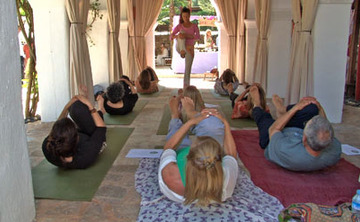 200 Hour Yoga Teacher Training for RYT with Yoga Alliance / 26-day Nov. 5-30, 2015