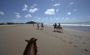 Nicaragua Surfing & Yoga Retreat 2016