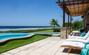 SwellCo-ed Nicaragua Surf & Yoga