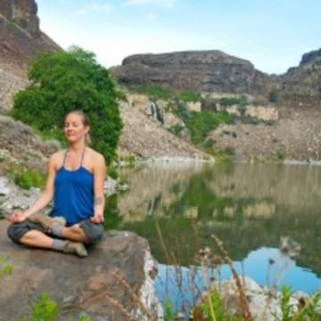 La Vita Dolce -An Italian Mindfulness and SelfCare Yoga Retreat with Emily Kasman