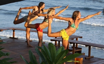 SwellCo-ed El Salvador Surf & Yoga