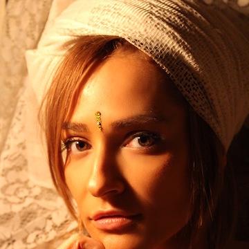 Angelina Roz