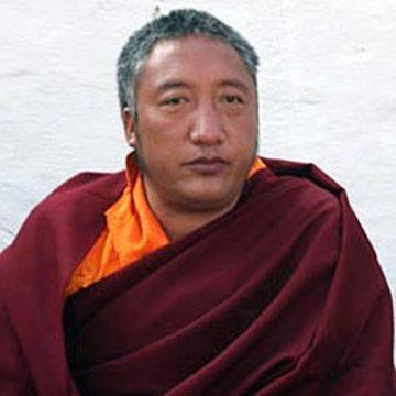 Dungsey Tenzin Nyima Rinpoche
