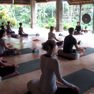 Yin Yoga - The Power of Moving Into Stillness retreat