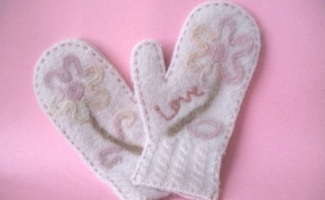 Learn How to Make Sweater Felted Mittens