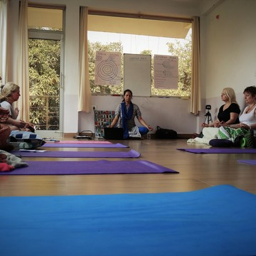 10 Day Living Consciously Yoga and Meditation Retreat in Rishikesh