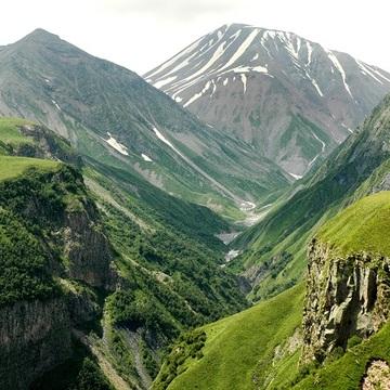 8 Day Luxury Yoga & Wellness Retreat in Kazbegi