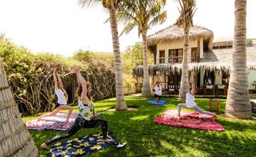 Surf & Yoga Retreat Peru