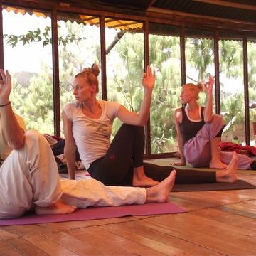 Sembrando Semillas Con Yoga