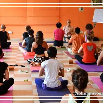 200 Hours Yoga Teacher Training in Dharamsala India