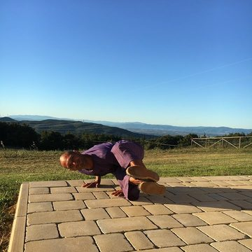 The magic of a yoga retreat in Tuscany  Ruben Gonzalez
