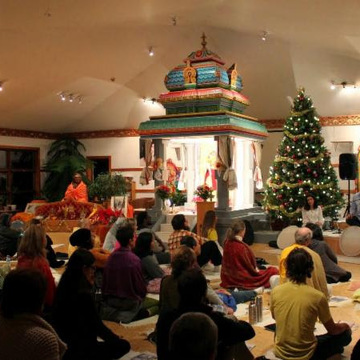 Le Temps des Fêtes à l'Ashram / Happy Holidays at the Ashram