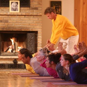 Vacances de Yoga de Deux semaines Juillet/ Two-week Yoga Vacation July