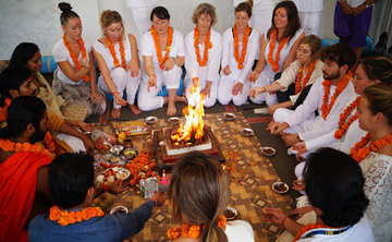 200 Hour Yoga Teacher Teacher Training in Rishikesh, India