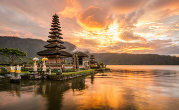 The Heart of Bali: A Transformational Breathwork, Yoga, and Meditation Retreat